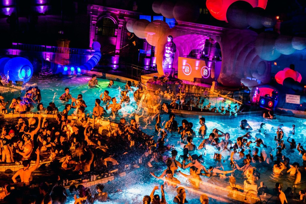 Szechenyi-Baths-Spa-Party-Budapest-Perfect
